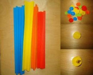 С помощью степлера соедините одинаковые круги, и крест на крест закрепите их скобками