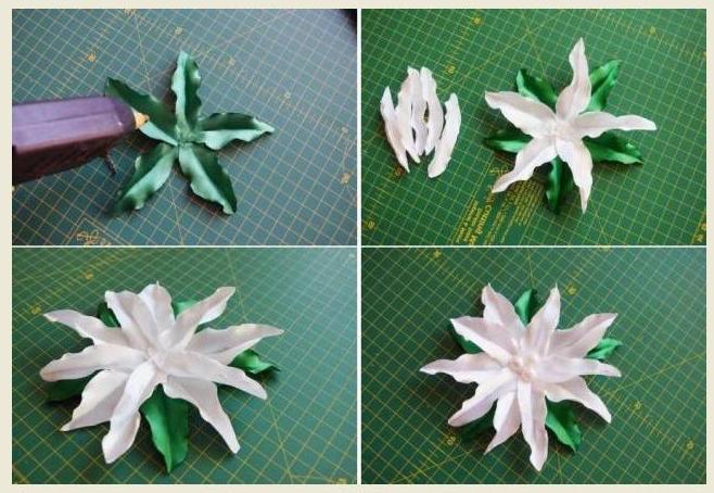 Чтобы собрать цветок, возьмите кусочек фетра и вырежьте из него кружок. Теперь приступите к приклеиванию листиков, а затем и лепестков.