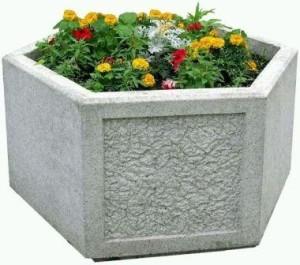 Контейнер для растений из бетона можно сделать цветным