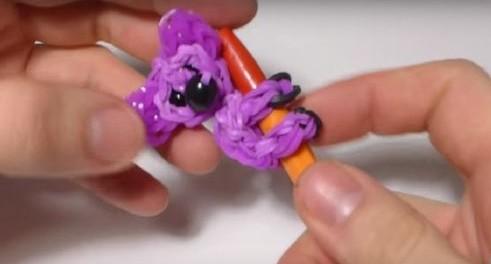 Как сделать из резинок игрушку 269
