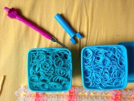 минимальный набор для плетения резиночками