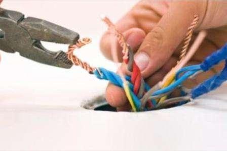Существуют некоторые правила установки проводки таким способом