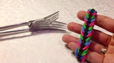 плетение браслетов из резинок фото
