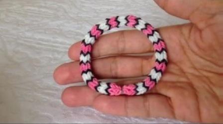 плетение браслетов из резинок на рогатке рыбий хвост
