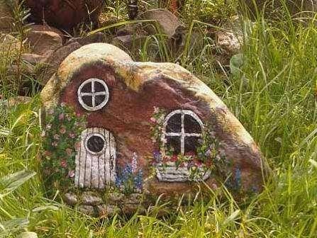 домик из камня с помощью краски