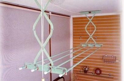 потолочные сушилки для белья на балкон своими руками