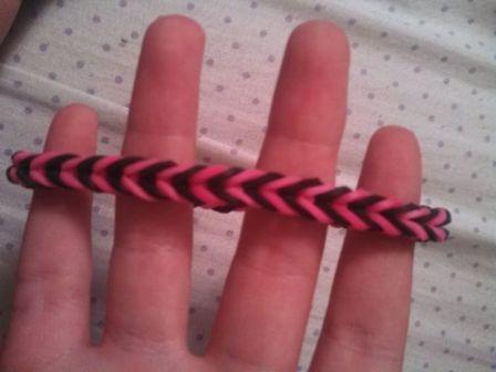 Как сплести простые браслеты из резинок на карандашах