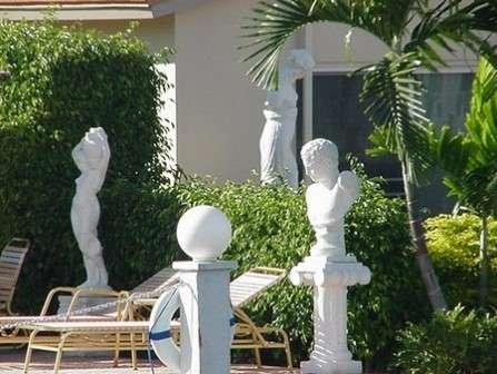 Садовые скульптуры, украшаем свою дачу фигурками