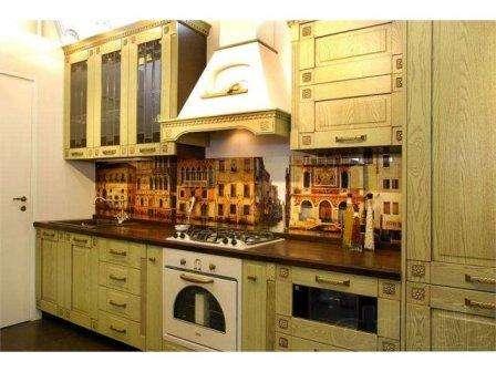 Скинали, фото города на кухне