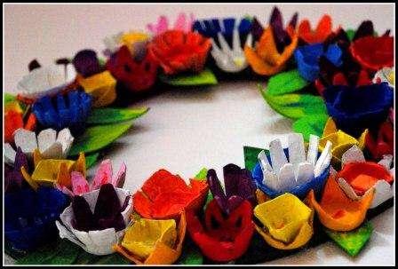 Вы можете задекорировать цветы своими руками на свой вкус и создавать настоящие шедевры