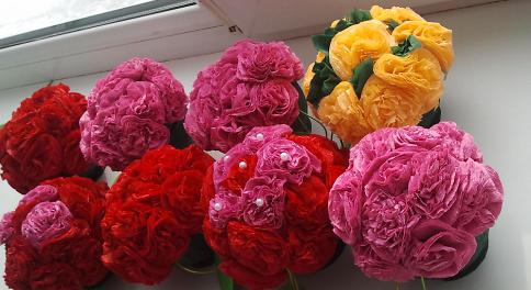 Розы из ленты на топиарий своими руками
