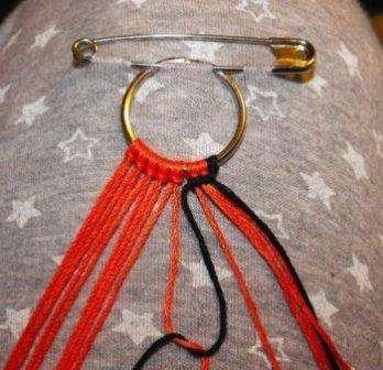 Браслет из ниток, пошаговое описание плетения: