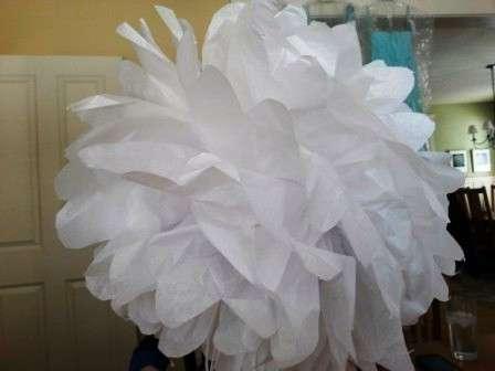 Раскройте веер, формируя шар - получился красивый цветок