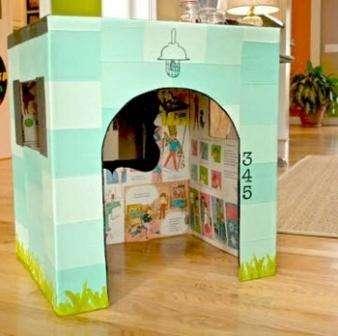 Большие коробки можно использовать для изготовления крупногабаритной мебели, например, шкафа