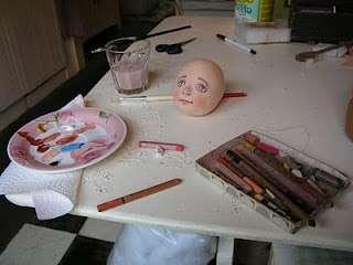 Когда будут готовы четыре заготовки для головы, начните сшивать с профиля