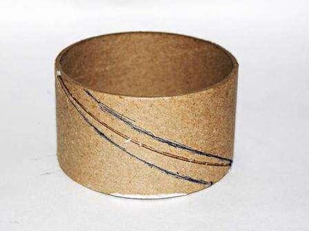Благодаря технике Папье-маше вы без труда сможете сделать своими руками красивые запястные браслеты