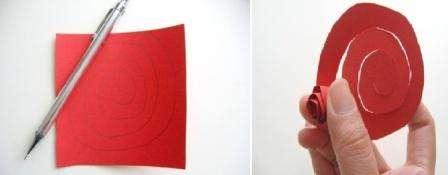 Если у вас нет бумаги для квиллинга, красивые розочки вы можете сделать и из обычной бумаги.
