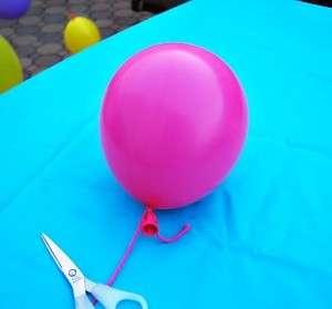 Начинаем надувать воздушные шары различных размеров