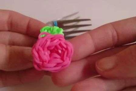 Как сделать цветок из резинок своими руками