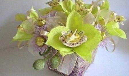 Цветы из бумаги гофрированной с конфетами своими