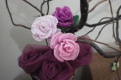 Розы из <u>розы из бисера фото мастер класс</u> бисера своими руками. Мастер класс с фото