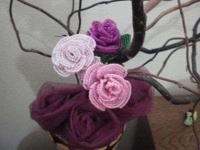 Розы из бисера своими руками. Мастер класс с фото