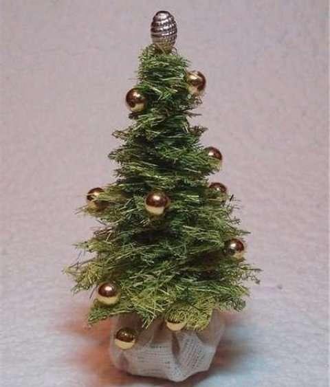 Новогодние поделки, мастер класс: елка из сизаля своими руками