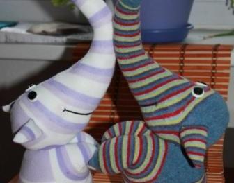 Поделки из носок с пошаговым фото. Игрушка слоник