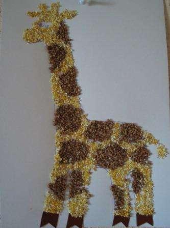 картина - жираф из злаков