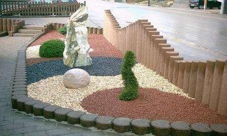 Стоит отметить, что камни для садового творчества должны соответствовать особым требованиям: