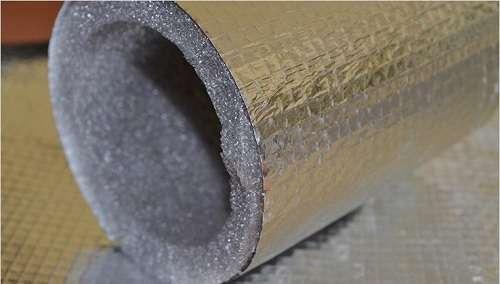 Неплохие звукоизолирующие свойства различных утеплителей обеспечивают хорошее шумопоглощение, а что немало важный показатель, особенно во многоквартирном доме.</p> <p> Монтаж изоляции для труб не представляет особых трудностей и выполняется довольно легко. Для этого при непосредственном монтаже в теплоизоляционный слой заключают отдельные участки водоводов.» width=»500″ height=»284″/></p></div> </p> <p>Неплохие звукоизолирующие свойства различных утеплителей обеспечивают хорошее шумопоглощение, а что немало важный показатель, особенно во многоквартирном доме. Монтаж изоляции для труб не представляет особых трудностей и выполняется довольно легко.</p> <p> Для этого при непосредственном монтаже в теплоизоляционный слой заключают отдельные участки водоводов.</p> <h2>Утепление труб теплоизоляцией из полиэтилена</h2> <p>Если вы хотите провести утепление канализационных труб в частом доме самостоятельно, используйте готовые гильзы из утеплителя.</p> <p> На них необходимо аккуратно сделать продольный разрез и после этого заключить участок сети нужной протяженности в него, по средствам скоб или липкой ленты.</p> <p><div style=