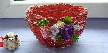 Пошаговое плетение из газетных трубочек для начинающих