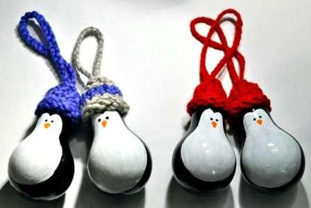 Милые пингвинчики, поделки из лампочек накаливания