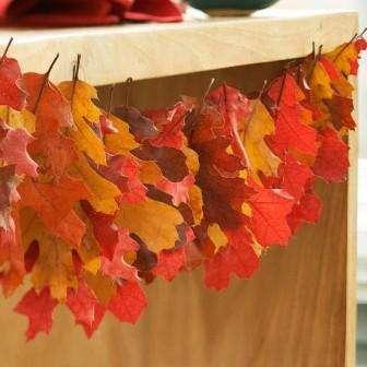 Гирлянды и подвески из листьев клена