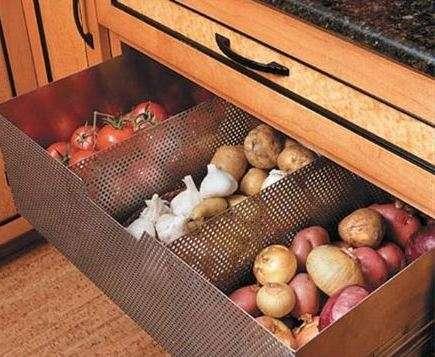 Ящик для овощей на балконе, как сделать своими руками