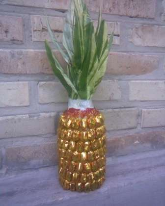 Украшаем подарочную бутылку Шампанское в виде ананаса