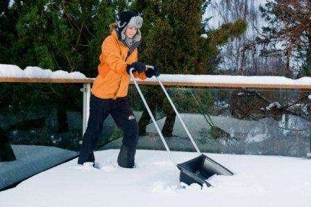 Скребок для чистки снега своими руками
