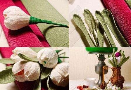 После этого можете приступить к формированию цветка. Для этого возьмите три заготовки и расположите их вокруг конфеты.