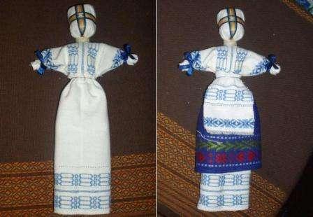 Для того чтобы украсить голову куклы просто повяжите ей платок,