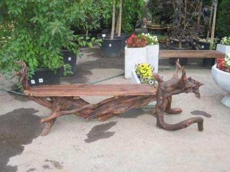 Коряга – эксклюзивная деталь садового интерьера