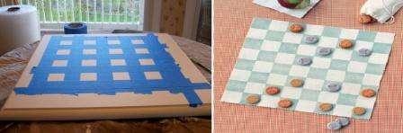 Шахматы и шашки – это одни из лучших игр, которые тренируют память, логику и смекалку. Поле для этих игр вы можете сделать даже при помощи клейкой ленты или скотча.