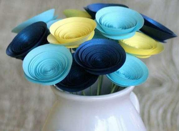 Поделка для подарка «спиральные цветы»