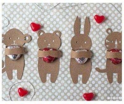 Предлагаем вашему вниманию конфетную упаковку в виде мишек, мышек, зайчиков и других животных:
