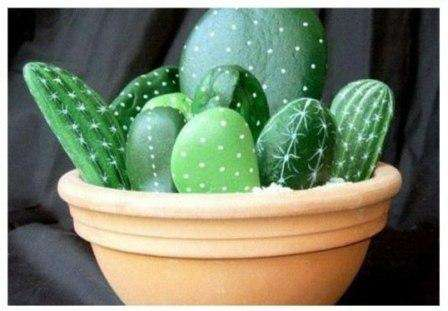 Поделка с ребенком каменные кактусы