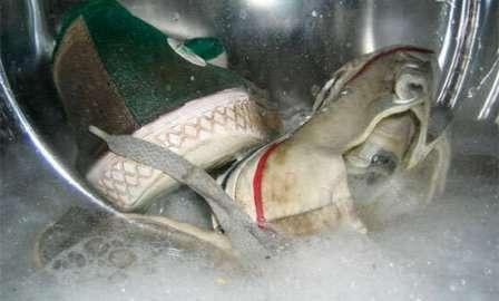 Предварительная подготовка обуви для стирки