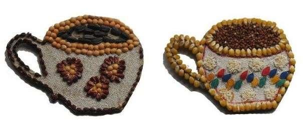Довольно привлекательно будут смотреться оригинальные панно из различных мелких круп или семян разного цвета и формы. С их помощью можно создать необычные разнофактурные композиции.