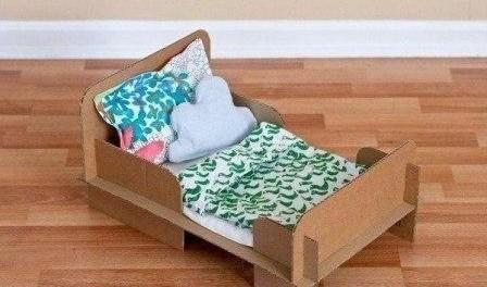 Что можно сделать из коробки из под обуви для кукол кровать