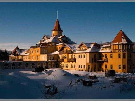 St.Lukas – это не просто санаторий, это отель высшего уровня, который находится в одном из самых известных оздоровительных курортов мира Сверадув-Здруй.