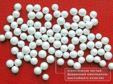 Неплотно набиваем сшитый чехол из ткани зернистым полистиролом
