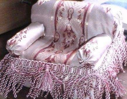 Рассмотрев эту небольшую коллекцию, вы убедились в том, что напольную подушку можно изготовить из практически любого материала